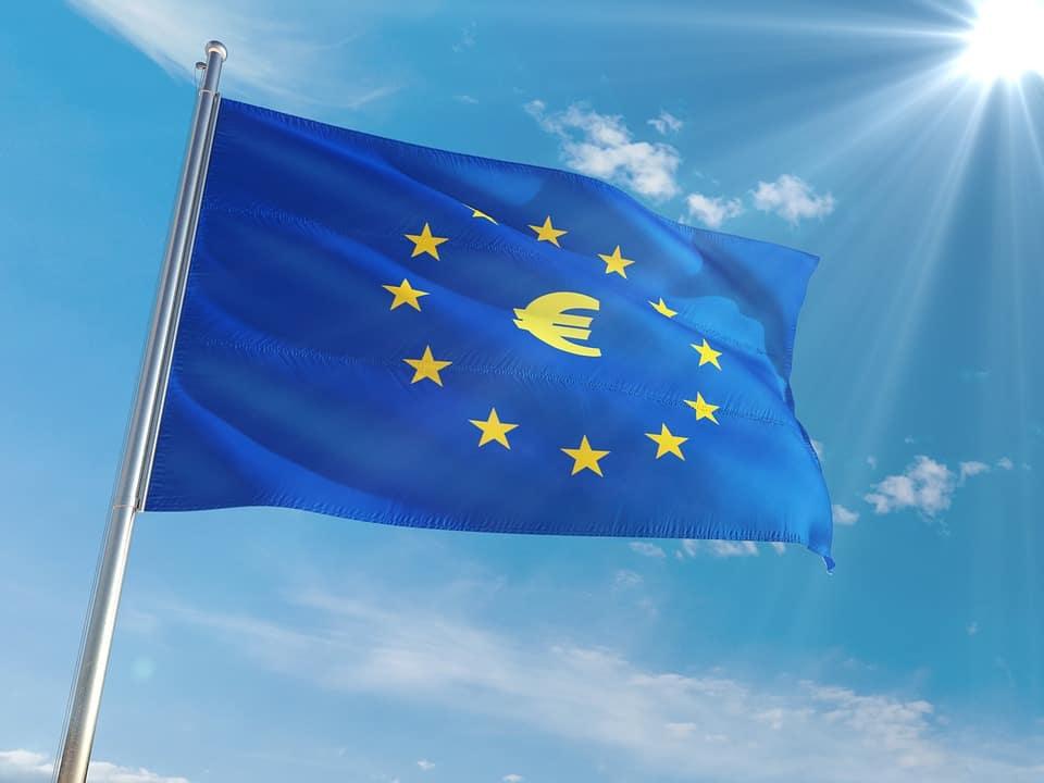 """כיצד אזרחות אירופאית יכולה לסייע בעסקי נדל""""ן?"""
